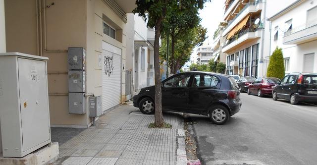 Απέραντο πάρκινγκ παντού!!!