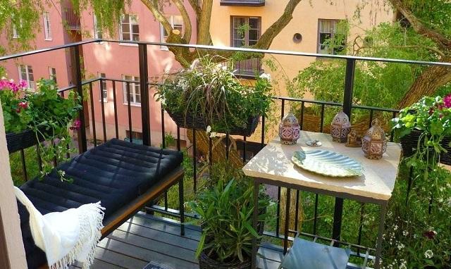 Καλαμάτα: Πλήρωσε ακριβά τις ανάσες δροσιάς στο μπαλκόνι της