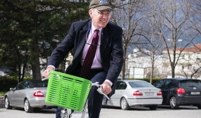 Σοβαρό ατύχημα με το ποδήλατο για τον πρέσβη των ΗΠΑ, Τζέφρι Πάιατ