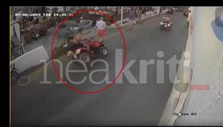 Σοκαριστικό videο: Γουρούνα βγήκε από τον δρόμο και έπεσε πάνω σε τουρίστες