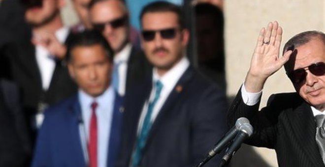 Συμπλοκή μεταξύ φρουρών του Ερντογάν και τελωνειακών στο Σαράγεβο