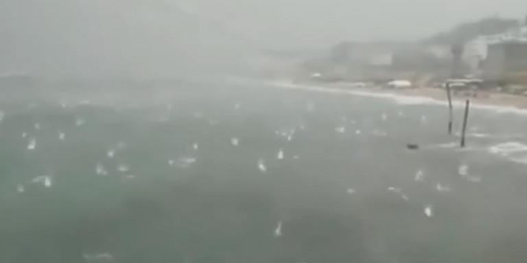 Κακοκαιρία και στην Ιταλία: Χαλάζι σε μέγεθος πορτοκαλιού χτυπά την θάλασσα