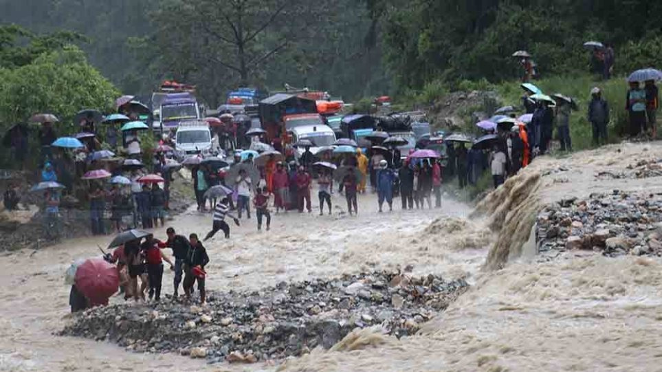 Νεπάλ: Τουλάχιστον 55 νεκροί από τις πλημμύρες