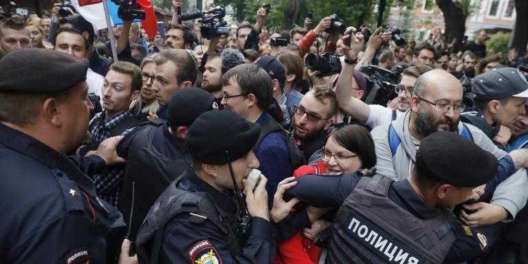 Ρωσία: Συλλήψεις κατά τη διάρκεια διαδήλωσης με αίτημα «δίκαιες εκλογές»