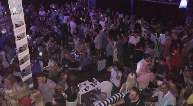 «Βούλιαξε» το Μπούρτζι στα Πευκάκια στο reunion των αποφοίτων του '90