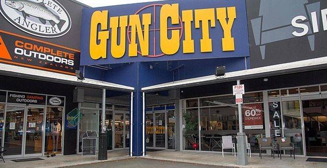Νέα Ζηλανδία: Σάλος από τα σχέδια αλυσίδας για οπλοπωλείο στο Κράιστσερτς