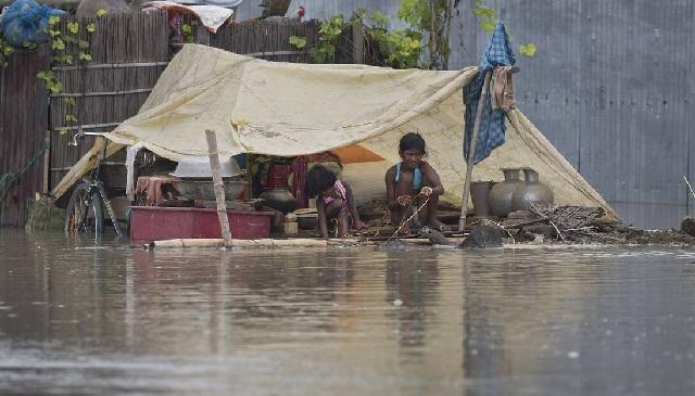 Στους 270 ανήλθαν οι νεκροί από το πέρασμα του μουσώνα στη νότια Ασία