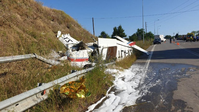 Αναγκαστική προσγείωση μονοκινητήριου σε παράδρομο της Εγνατίας [εικόνες]