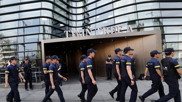 Νοτιοκορεάτης αυτοπυρπολήθηκε μπροστά στην πρεσβεία της Ιαπωνίας στη Σεούλ