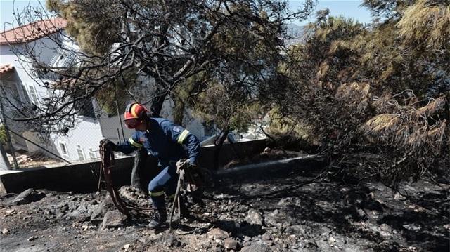 Συνελήφθη 64χρονος για τη φωτιά σε οικισμό στα Μέγαρα