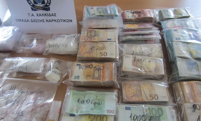 Εκρυβαν σε σπίτι στον Βόλο χρήματα από διακίνηση σκληρών ναρκωτικών