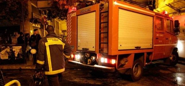 Ζημιές από φωτιά σε τσιπουράδικο στην Ιωλκού