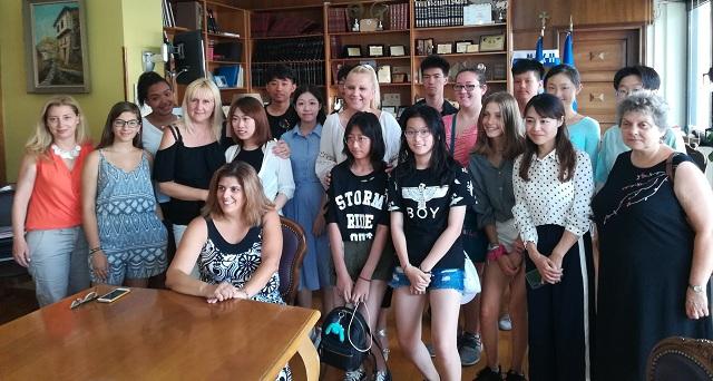 Στην Αντιπεριφερειάρχη Μαγνησίας 13 κινέζοι και αμερικανοί μαθητές