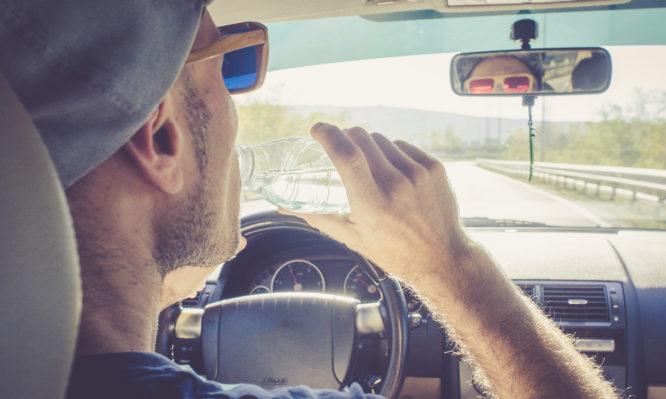 Κίνδυνος στην οδήγηση το καλοκαίρι η αφυδάτωση του οδηγού