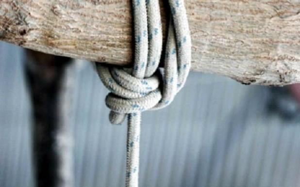 Ιερέας βρέθηκε απαγχονισμένος σε αποθήκη στη Βελίκα Λάρισας