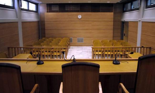 Μητέρα «ενορχήστρωσε» τον βιασμό της κόρης της από τέσσερις άνδρες