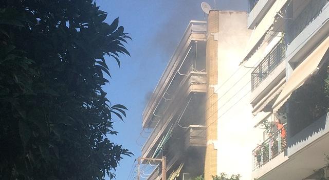 Στις φλόγες διαμέρισμα στο Βόλο από αναμμένο καντήλι