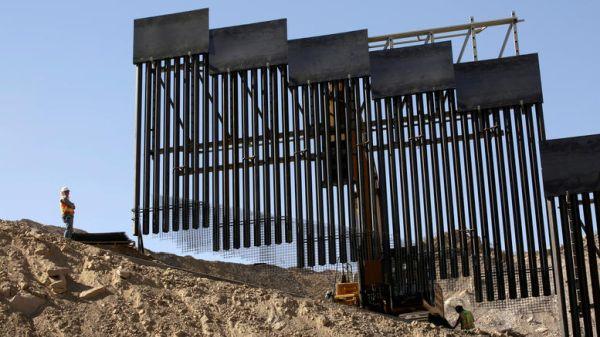 Ανοίγει ο δρόμος για το τείχος του Τραμπ στα σύνορα με Μεξικό