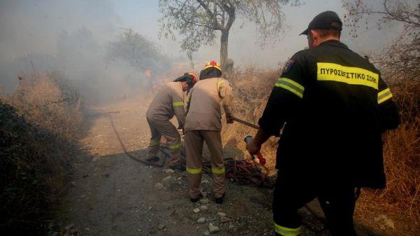 Μπαράζ πυρκαγιών σε Αττική, Φθιώτιδα, Ιτέα και Λάρισα