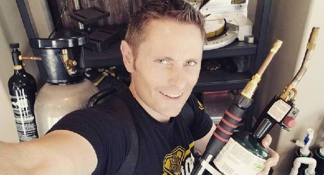 Νεκρός γνωστός ΥouΤuber μετά από δυστύχημα με αλεξίπτωτο