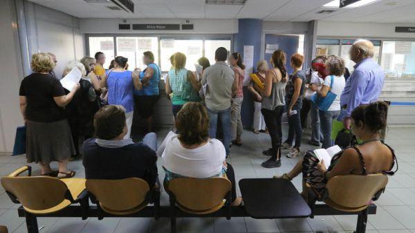 Οι Έλληνες εξακολουθούν να χρωστούν 104,1 δισ. στην εφορία