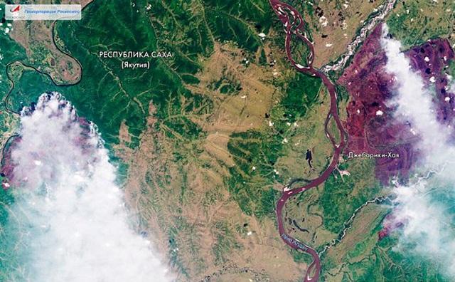 Δορυφορικές εικόνες από τις πυρκαγιές στη Σιβηρία: Μέχρι Αλάσκα και Καναδά ο καπνός