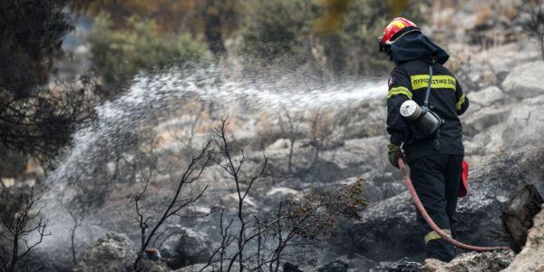 Σε «κόκκινο» συναγερμό για πυρκαγιές και καύσωνα ο κρατικός μηχανισμός