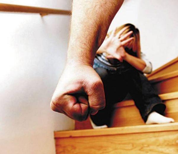 Καινούργια καταγγελία για βία στο σπίτι