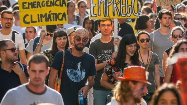 Kοινές διεκδικήσεις νέων Ευρωπαίων για την κλιματική αλλαγή