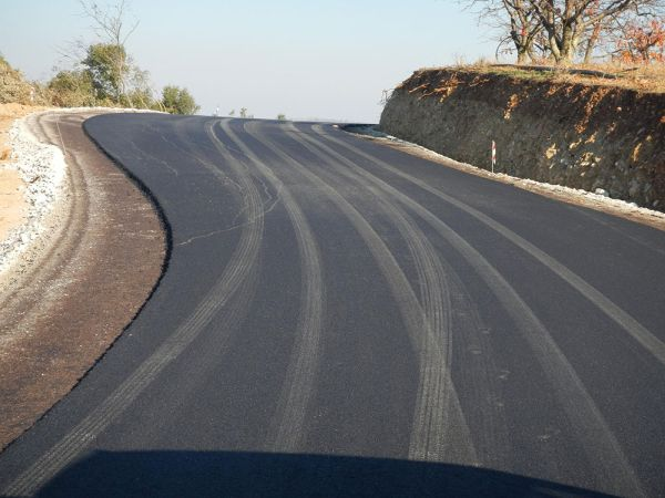 Διαγωνισμός για τη βελτίωση αγροτικής οδού