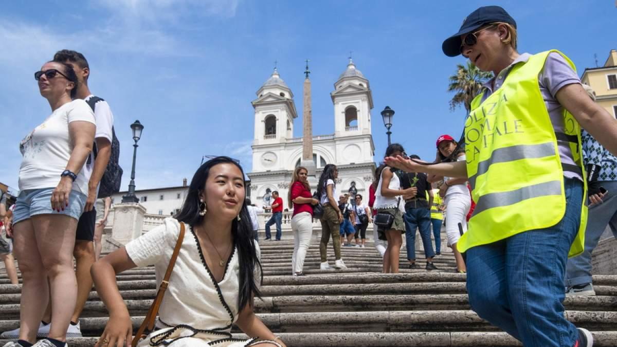 Κάθισες στην Ισπανική Σκάλα της Ρώμης; 400 ευρώ!