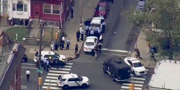 ΗΠΑ: Eξι αστυνομικοί τραυματίες από πυρά ενόπλου στη Φιλαδέλφεια