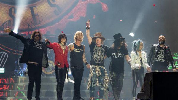 Guns N 'Roses: Εξωδικαστικός συμβιβασμός με ζυθοποιία