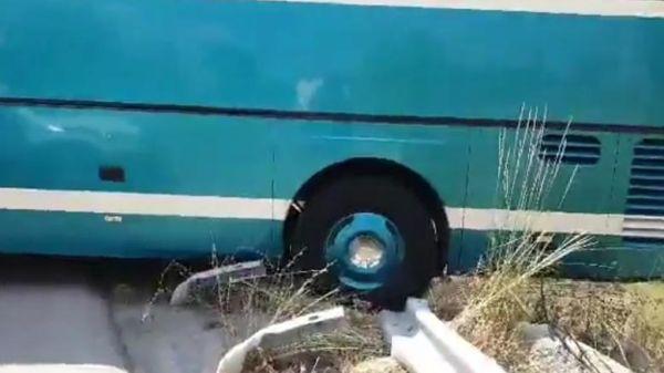 Λεωφορείο του ΚΤΕΛ Κέρκυρας κυλούσε σε γκρεμό