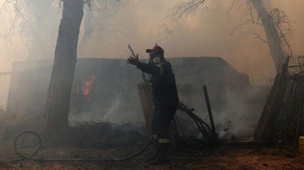 Tρεις ύποπτοι για εμπρησμό στην μεγάλη φωτιά της Εύβοιας