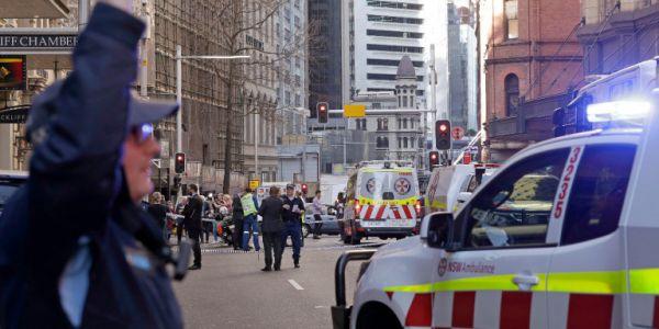 Επίθεση με μαχαίρι στο Σίδνεϊ - Ο ύποπτος κατηγορείται για τη δολοφονία μιας 24χρονης