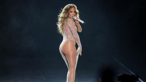 Μήνυση κατά της Λόπεζ επειδή εμφανίστηκε γυμνή σε συναυλία