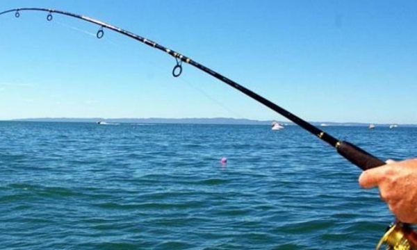 Αίσιο τέλος για ερασιτέχνη ψαρά ~ Στιγμές αγωνίας για 64χρονο που παραθερίζει στην Νταμούχαρη