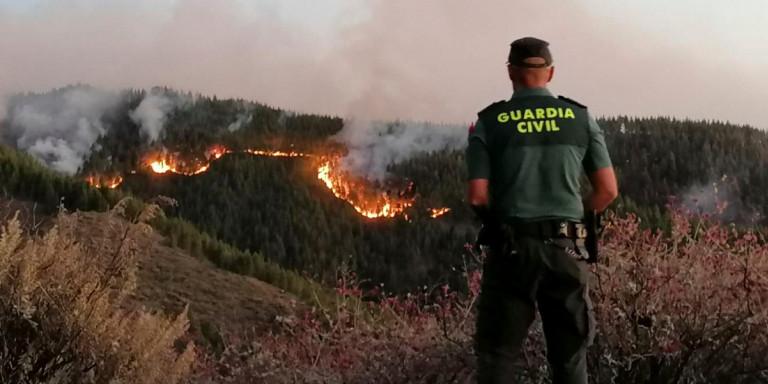 Εκτός ελέγχου η φωτιά στα Γκραν Κανάρια: 8.000 κάτοικοι έχουν εγκαταλείψει την περιοχή