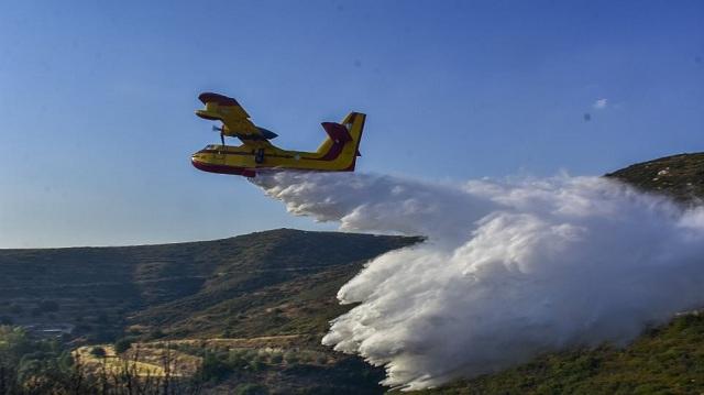Σύννεφο σκόνης που προκάλεσε αγρότης «σήκωσε» πυροσβεστικά αεροπλάνα στη Φθιώτιδα