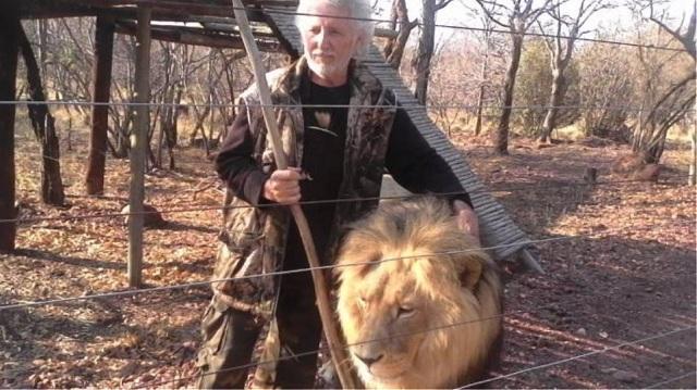 Νότια Αφρική: Τον κατασπάραξαν τα λιοντάρια που κρατούσε αιχμάλωτα