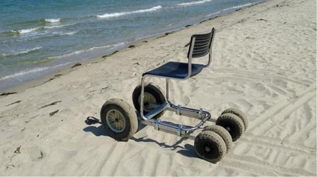 Αστυνομικός στη Λάρισα κατασκεύασε αμαξίδιο παραλίας για ΑμεΑ