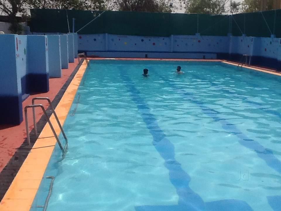 Σφράγιση 4 κολυμβητικών δεξαμενών στη Μαγνησία για έλλειψη μέτρων ασφαλείας