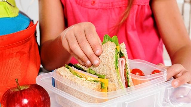Σερβίρεται μεσημεριανό σε 19 σχολεία σε Βόλο και Ν. Ιωνία