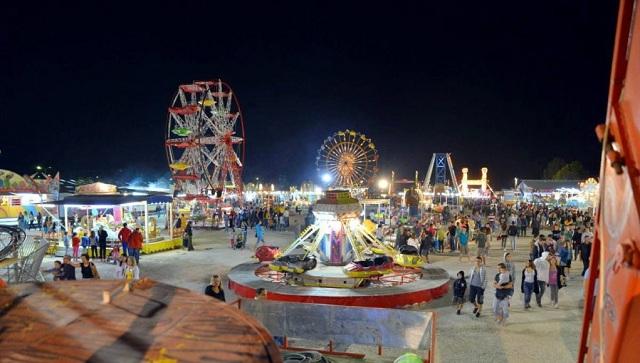 Χιλιάδες επισκέπτες στο παζάρι Αλμυρού