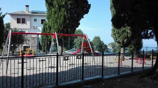 «Πάγωσαν» οι παιδικές χαρές στον Δήμο Ζαγοράς - Μουρεσίου