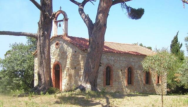 Βανδαλισμοί στο εκκλησάκι του Αγίου Φανουρίου στη Σκιάθο