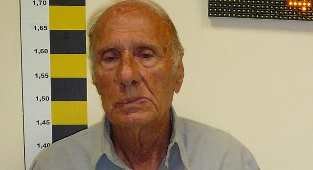 Αυτός είναι ο 81χρονος που φέρεται να θώπευε ανάπηρη σε καφέ