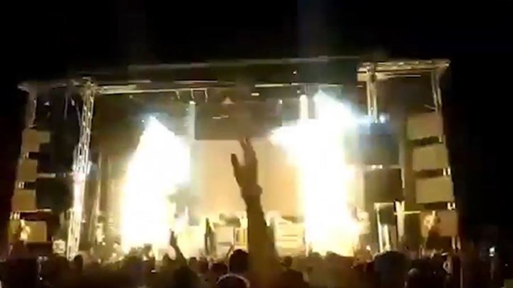 Τραγουδίστρια σκοτώθηκε από πυροτέχνημα πάνω στη σκηνή