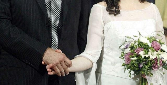 Ο νέος δήμαρχος Χίου απαγορεύει τους πολιτικούς γάμους στο Δημαρχείο
